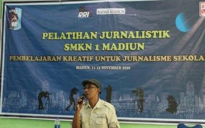 Guna Melatih Bakat Jurnal Siswa, SMKN 01 Madiun Adakan Pelatihan Jurnalistik